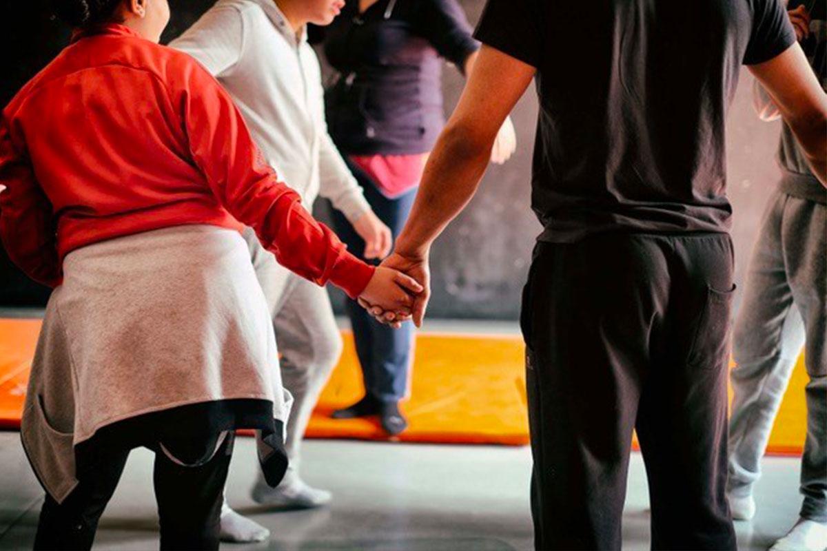 ateliers de cirque pour les jeunes du college stendhal à toulouse