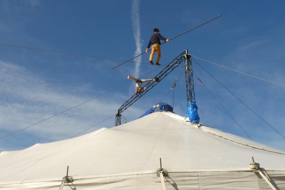 Le chapiteau du cirque des petites nature à Lavaur
